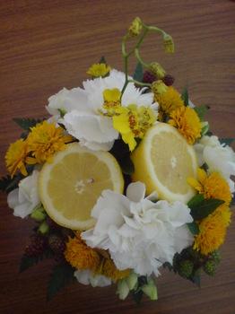 2011.07.07さわやかな初夏のフルーツアレンジ.jpg